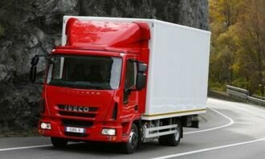 Iveco Eurocargo Euro 6. I likhet med de tyngre lastebilseriene har også Eurocargo fått Euro 6-motorer som klarer avgasskravene uten eksosresirkulering.