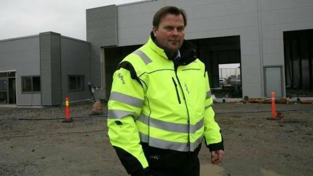 - Her bygger vi vår nye storstue som åpner til høsten, forteller Branch Operation Manager Erik Henriksen i Tip Trailer Services Norge.