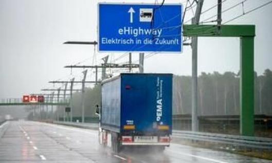 Slike «baner» med overhengende strøm passer godt på bedriftsinterne transporter der mange lass skal kjøres fra A til B.