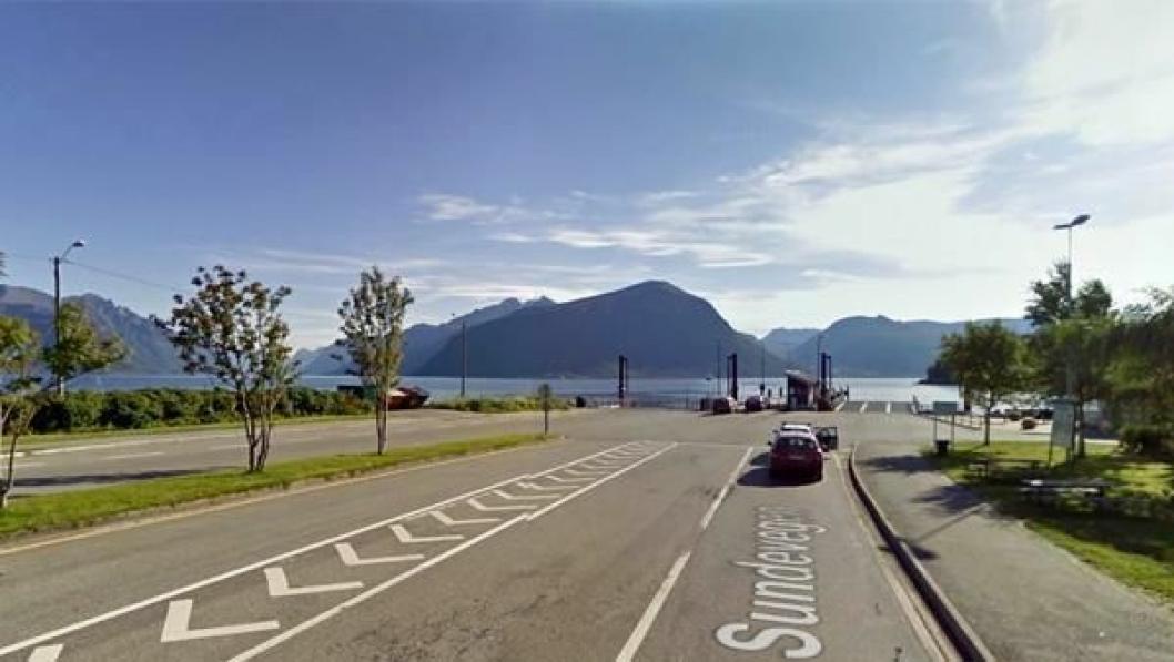 Den svenske sjåføren ble stoppet i Solavågen (bildet) uten førerkort. Dagen før skjedde det samme på Ørskogfjellet.