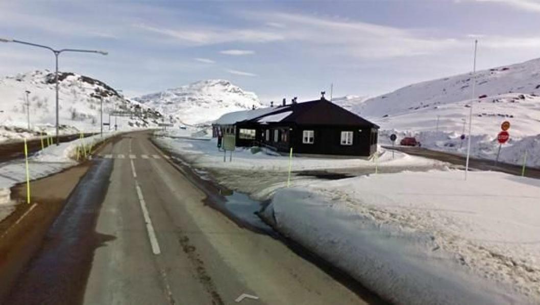 Her på Bjørnvatn tollstasjon ble ikke det østeuropeiske vogntoget stående lenge.