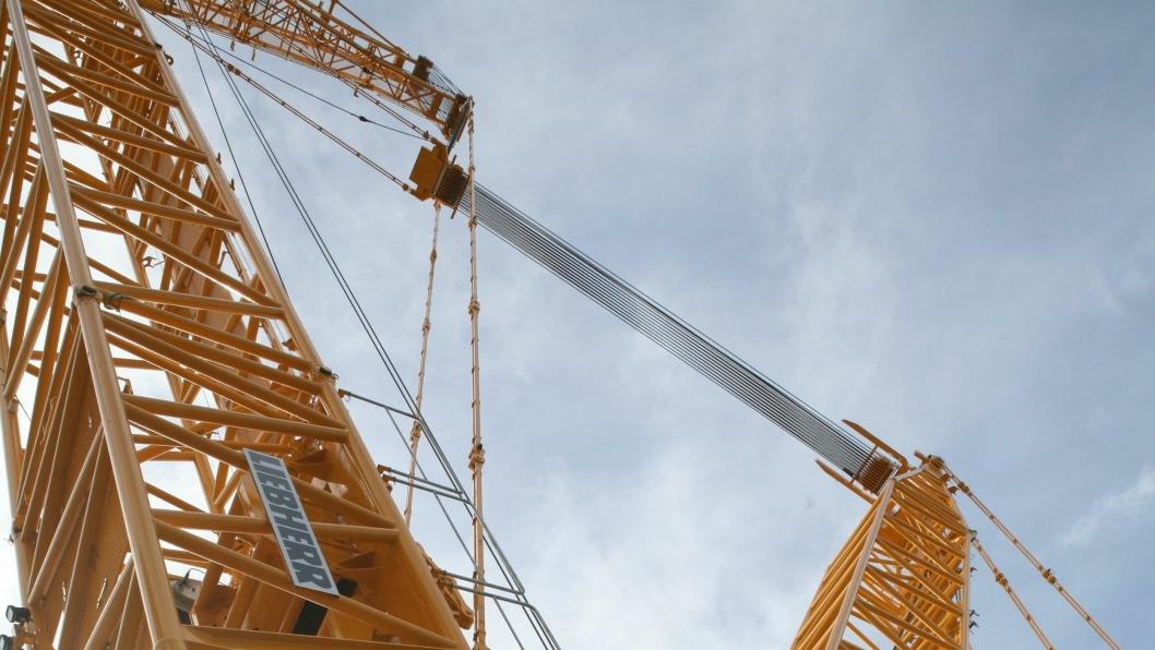 Vindkraft og kraner er blitt en viktig del av industrimiljøet i Verdal. Kranfører og Project Manager Heavy Lift, Miguel Einset, er fascinert av en jobb i enorme dimensjoner.