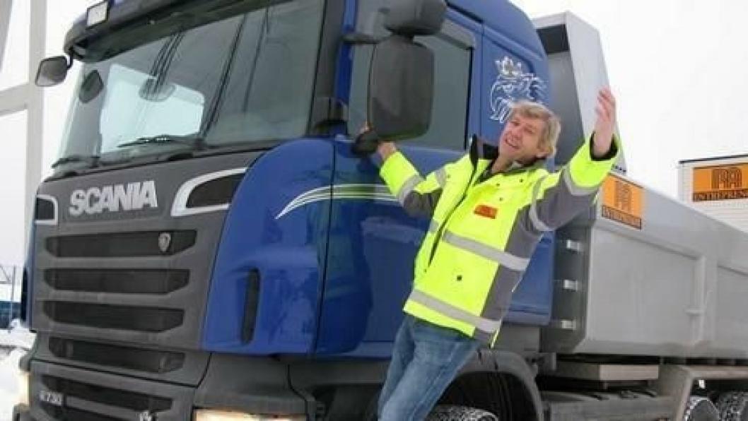 Raymond Harring har fått et nytt og harmonisk liv med sin nye Scania R 730 tippbil.