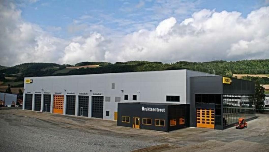 Det nye Pon-bygget på Rudshøgda er på 3000 m2 og inneholder blant annet 10 verkstedhaller og utstillingsrom.