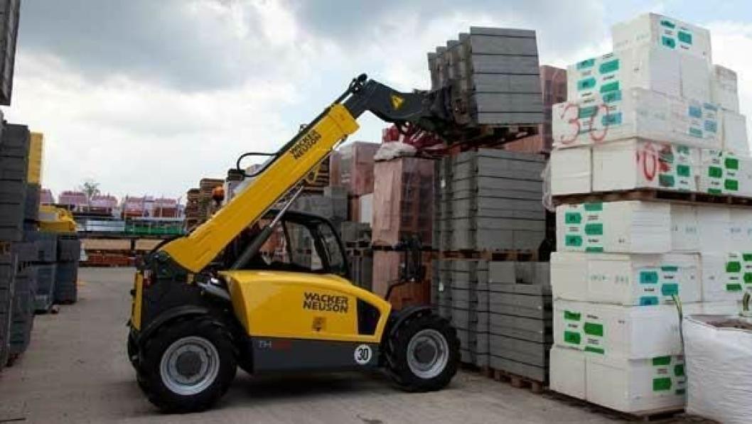 Telekoplasterserien TH522 veier 4,2 tonn og har en nyttelast på 2200 kg til 5,5 meter.
