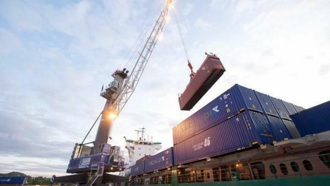 Med ny kran kan Drammen havn doble kapasiteten og ta tyngre løft.