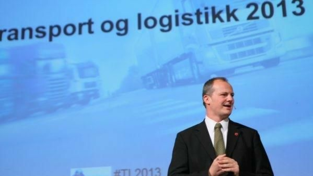 Samferdselsminister Ketil Solvik-Olsen kan toe sine hender over den blåblå regjeringens stasbudsjettforslag.