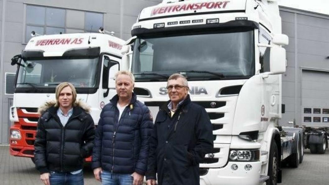 Lars Erik Mathisen (t.v.) fortsetter som leder i Mathisen Renovasjon etter at Jonny Enger og Veitransport-gruppen har overtatt 100% av aksjene. Kjell Arne Mathisen (t.h.) mener dette sikrer selskapets fremtid.