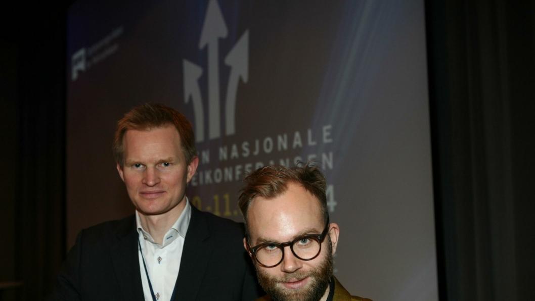 Rolf Sverre Asp (t.v.) og Harald Bergh i Oslo Economics tilbakeviser kritikken over rapporten.