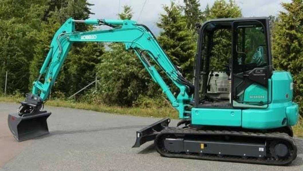 Første Kobelco 5-tonner kom til Beck Maskin for noen dager siden, og er klargjort med ny skuff.