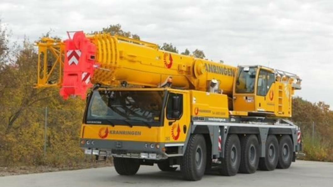 En av de mange kranene Kranringen har kjøpt, en Liebherr LTM 1130-5.1 med maksimal løftekapasitet på 130 tonn.
