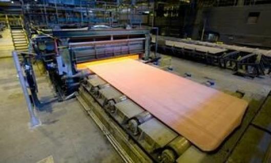 Direkte bråkjølt Raex slitestål produseres i en rekke tykkelser fra 2 mm til 80 mm.