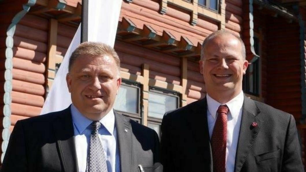 Geir A. Mo (t.v.) støttes nå av samferdselsstatsråd Ketil Solvik-Olsen som krever glattkjøringskurs i kampen for å bedre trafikksikkerheten på norske vinterveier.