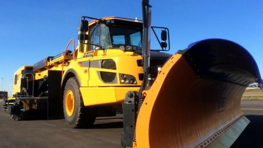 De nye maskinene skal rydde snø på Svenske flyplasser drevet med biogass i vinter.