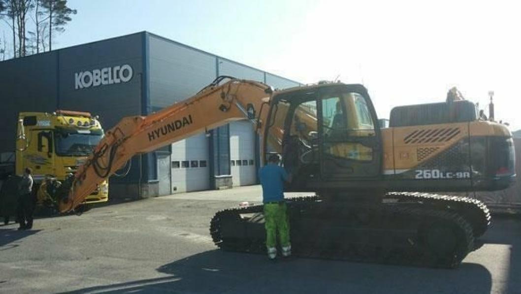 Fosse maskin & transport AS er første selskap som tar i bruk Hyundai R 260 i Norge.
