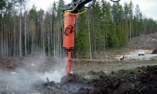 På Volvo-maskinen på ca. 30 tonn benyttes den største Power Mix'n med maks. arbeidsdybde på ca. 5 meter.