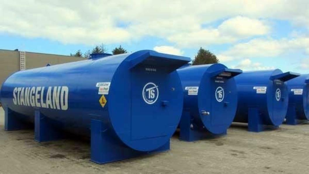 STORT: Dette er de største tankene Arvid Gimre har levert i Norge, 32.000 liter.