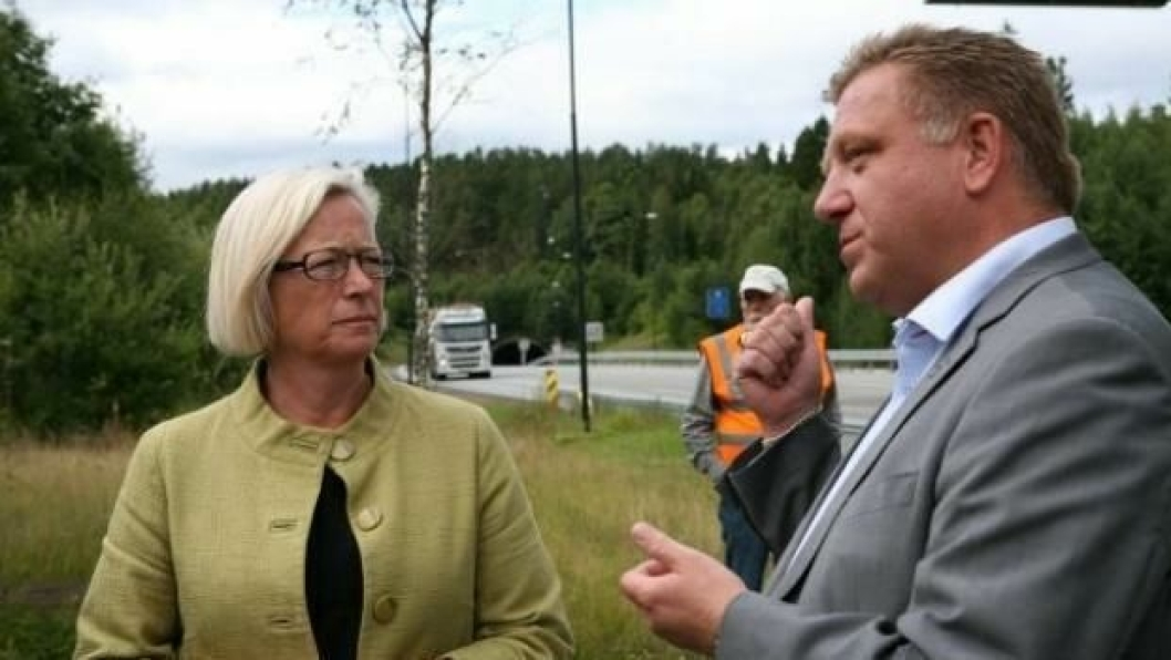 I fjor oppfordret Geir A. Mo daværende samferdselsminister Marit Arnstad å gå inn for bruløsning over Oslofjorden.