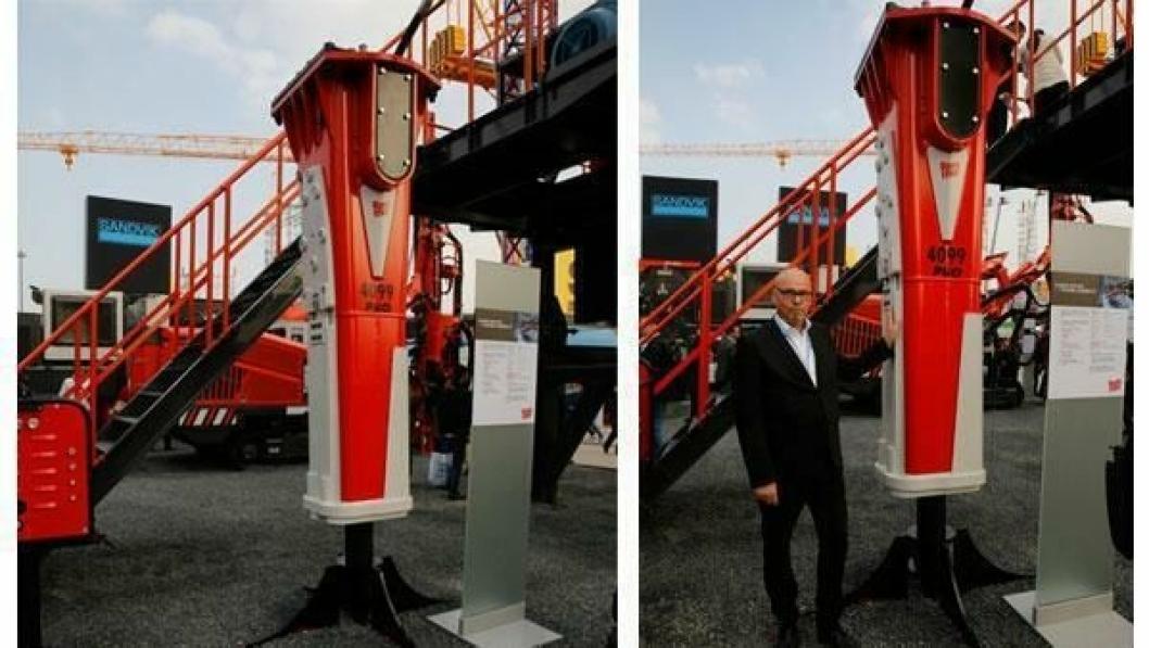 TØFFING: Rammer 4099 PRO-hammeren skal tåle mye. Her viser Sandviks Jan Ove Stene den nye tøffingen.