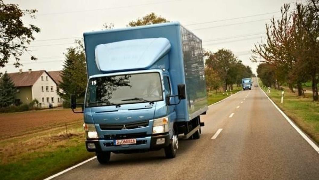 Fuso Canter er verdens første lastebil med dobbeltclutch-girkasse.