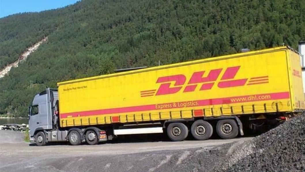 JND Trans trekkbil med DHL-kjerre i Norge. Bildet er tatt ved en tidligere anledning ved Todalen på Nordmøre.