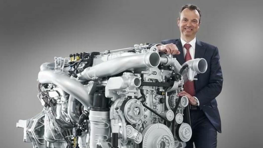 Ron Borsboom, ansvarlig for produktutvikling hos DAF, presenterte den nye motorserien MX-11 på et teknisk seminar i Eindhoven 14. mars.