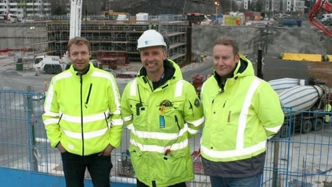 Pål Thomassen fra Cramo (t.v) sammen med Per Roos fra Hent og Cramos Morten Hansen.
