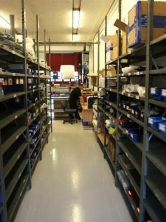 Deleansvarlig Per Iversen holder styr på lageret som skal gi raske deler til norske Indexator-kunder.