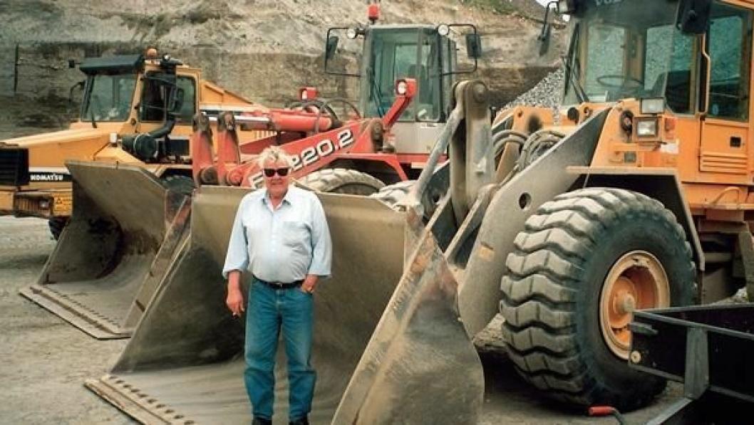 I 52 år, eller omtrent 80.000 timer, har Inge Espeland operert sine maskiner som etterhvert er blitt en svært viktig del av den sindige mannen. Til høsten går han av med pensjon, kanskje...