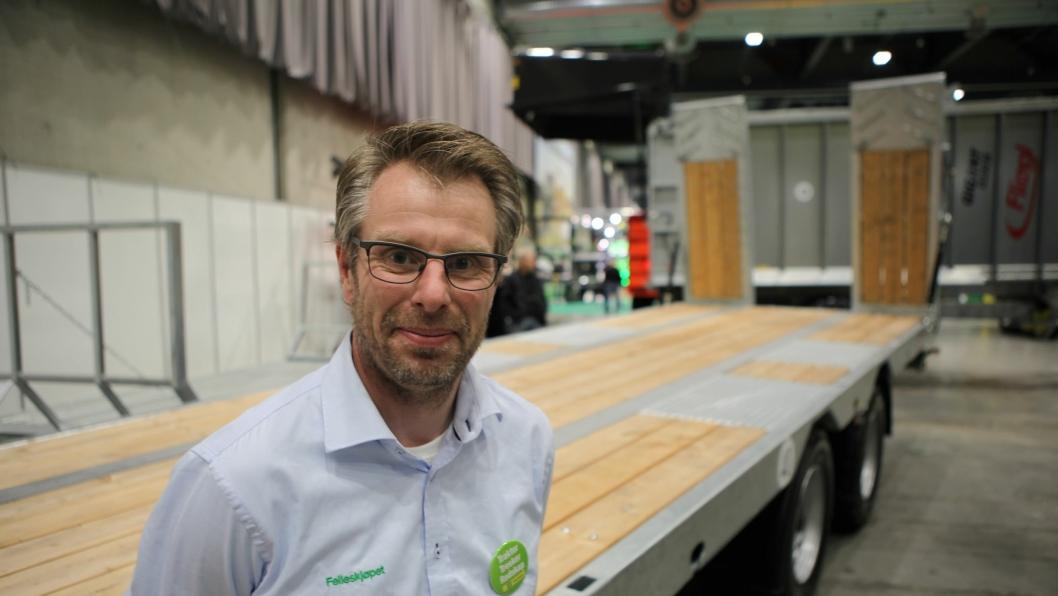 David Eik, produktsjef i Felleskjøpet Agri SA, hadde blant annet med seg denne tilhengeren på Felleskjøpets egen messe, Bedre Landbruk, i Lillestrøm.