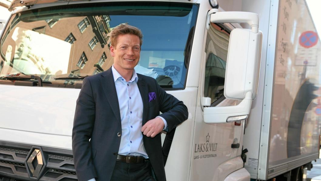 Bjørn Simonsen, direktør for forretningsutvikling og samfunnskontakt i Nel, og hans team skal levere 16 fyllestasjoner til Nikola Motor Company i USA.