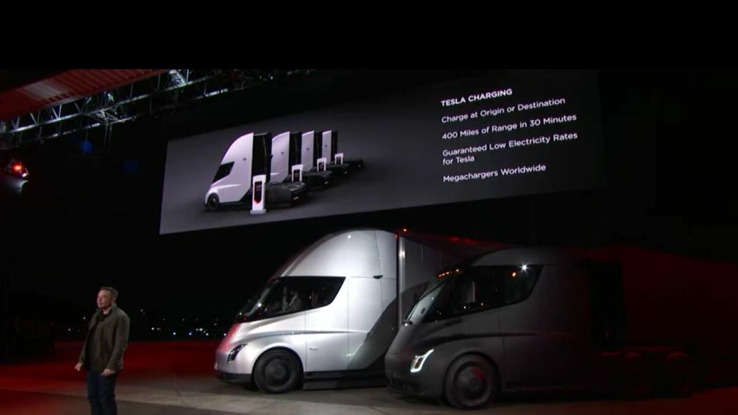 Sjermdump fra nattens presentasjon av Tesla Semi.