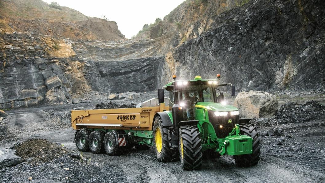 John Deere 7R-serien er blant traktorene som omfattes av drivstoffgarantien (Se fullstendig liste i artikkelen).
