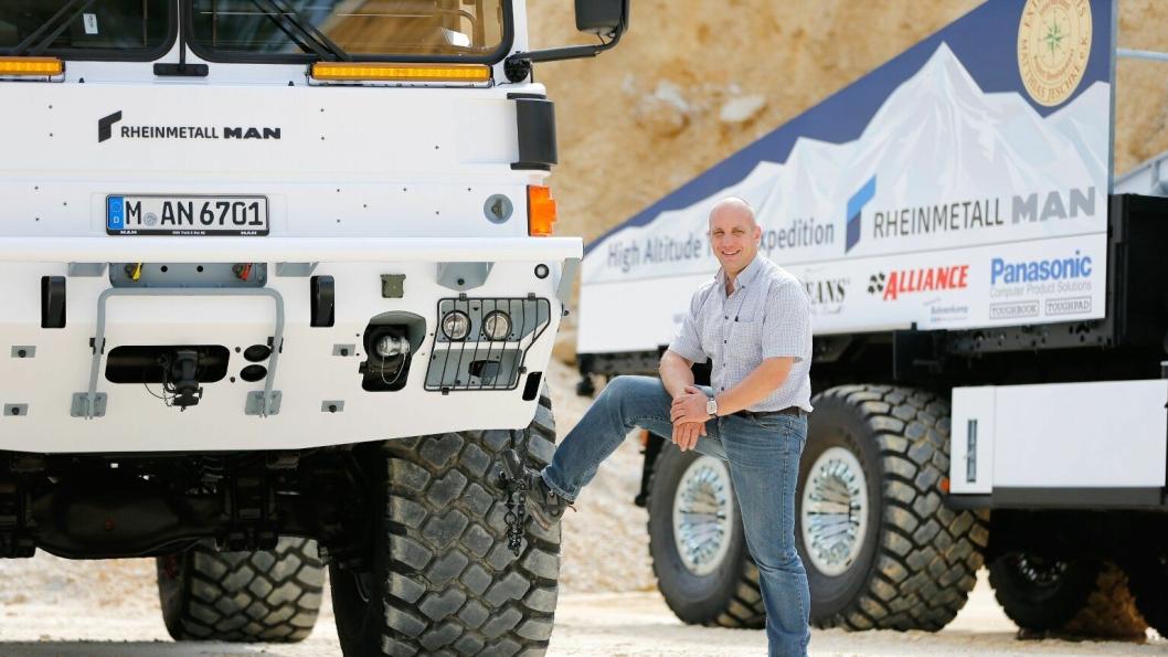 Matthias Jeschke og hans team skal sette verdensrekord (motorkjøretøy høyest over havet) med to Reinmetall MAN HX-lastebiler på toppen av verdens høyeste aktive vulkan.