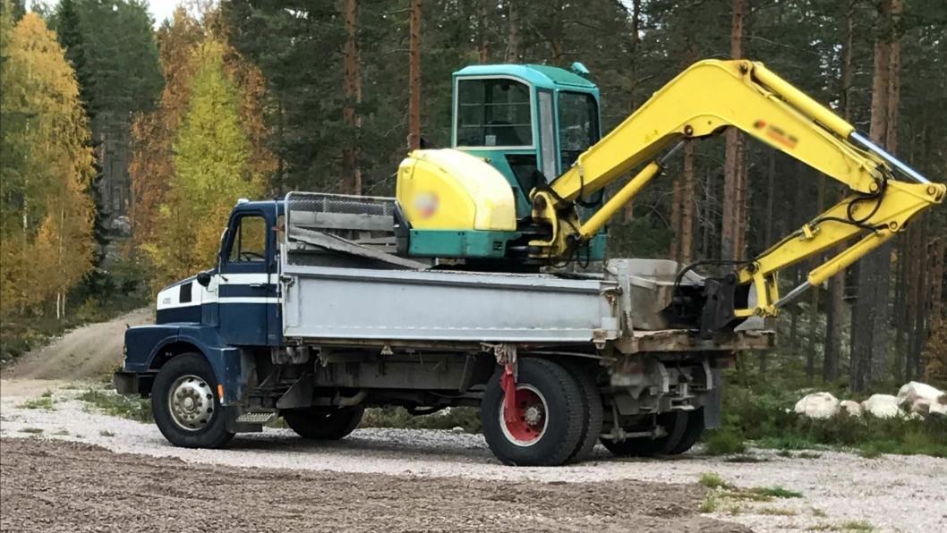 Med denne 41 år gamle lastebilen, uten forsikring eller EU-godkjenning, jobbet en entreprenør for Statskog på Finnskogen. Alle