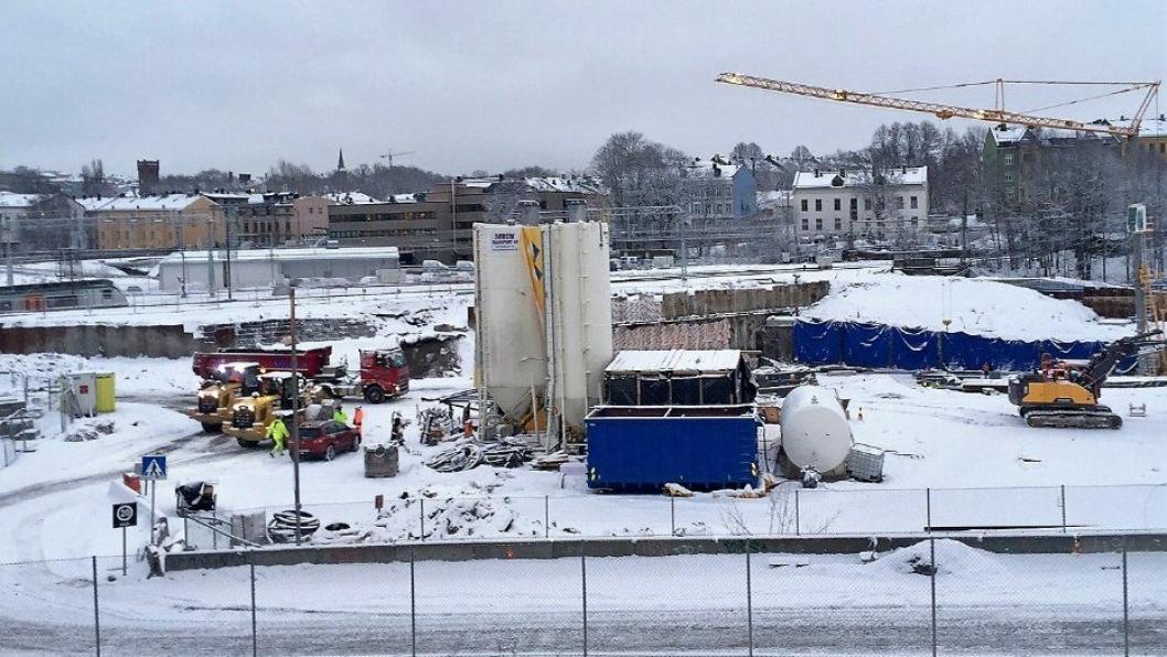Arbeidene på Follobanen ved Oslo S er i gang igjen etter at Bane Nor tok direkte styring med underleverandørene til konkurstruede Condotte. Foto: Bane Nor