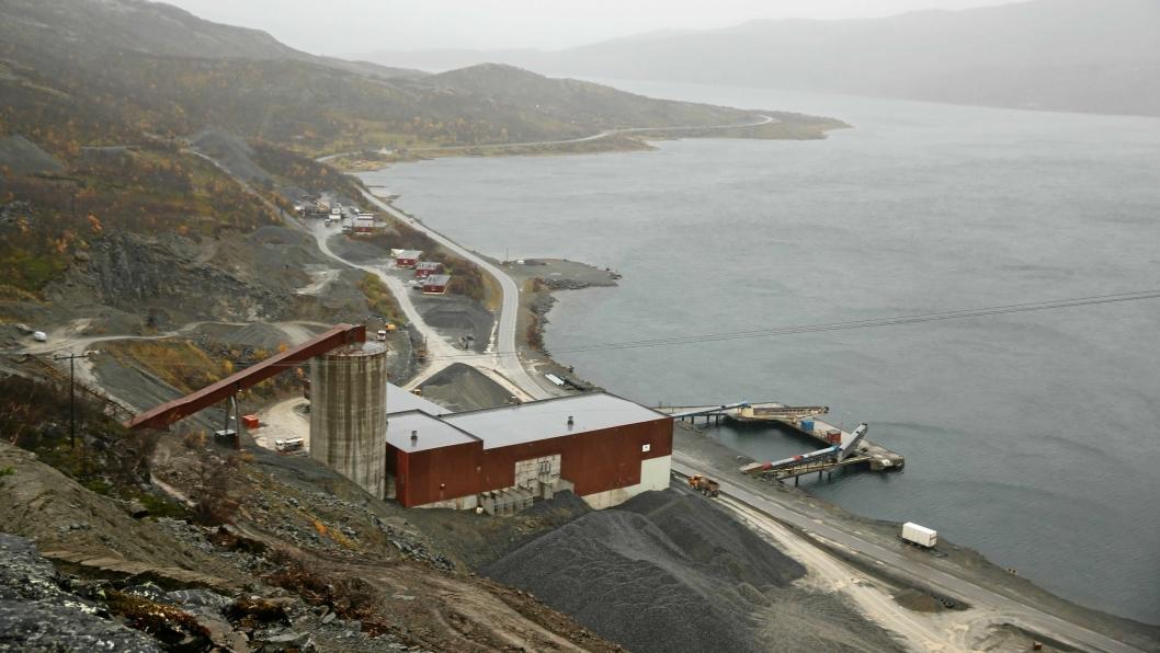 Gruveselskapet Nussir har fått tillatelse til å deponere overskuddsmassene fra gravingen etter kobber i Repparfjorden (Finnmark). Men det blir ikke gitt nye tillatelser i denne stortings-perioden - etter Venstres ønske.