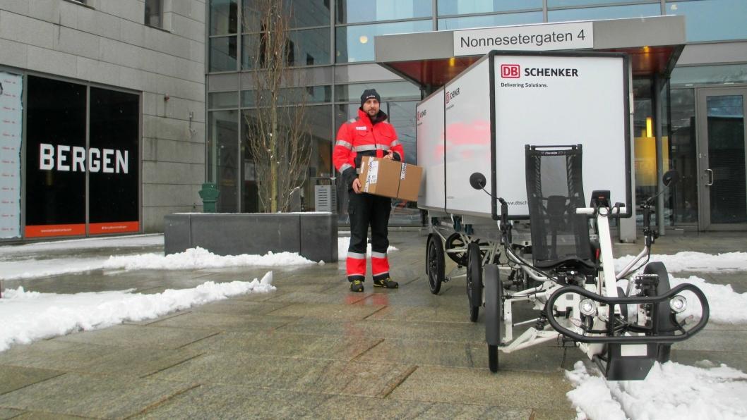 Transportsykkelen til DB Schenker skal overta levering av småpakker i Bergen.