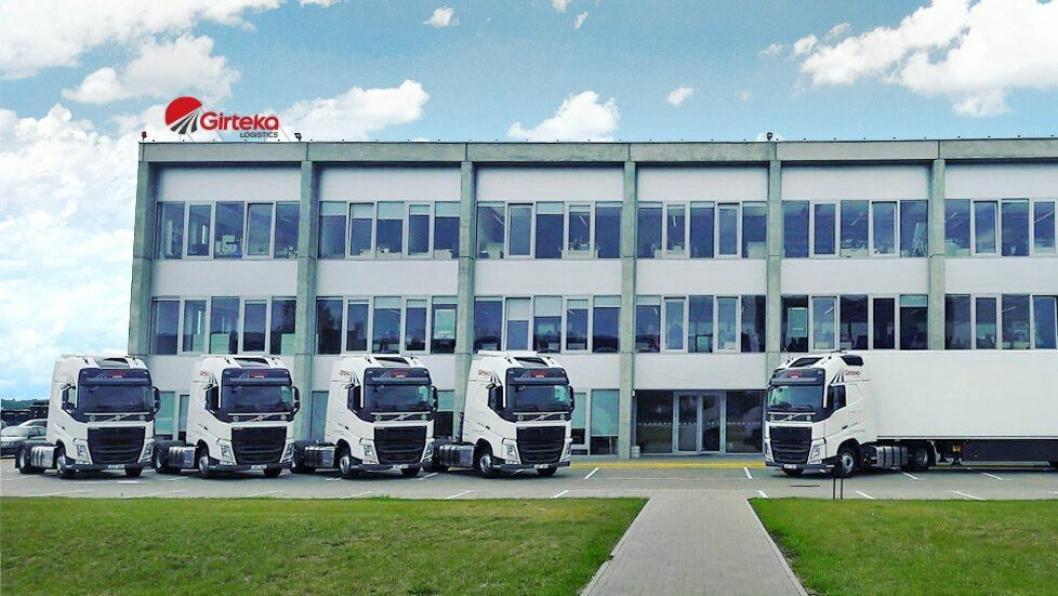 2700 lastebiler hos Girteka skal utstyres med nytt flåtestyringssystem.