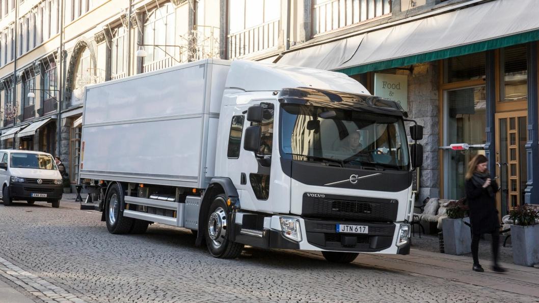 Volvo FE LEC er bygget for å få til et best mulig samspill mellom sjåfør, lastebil og personer rundt lastebilen i et travelt bymiljø.