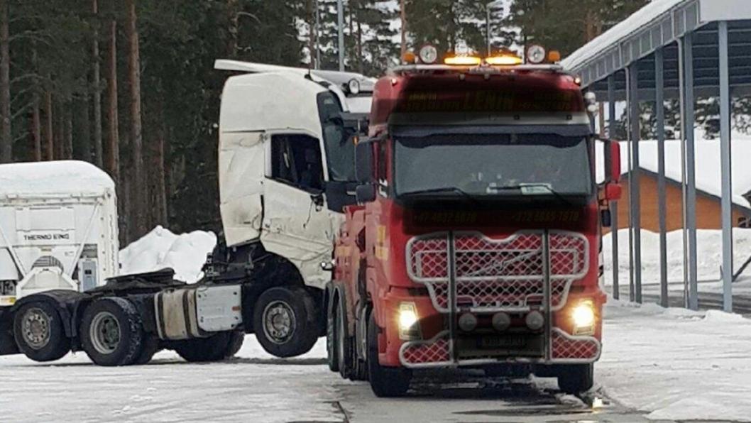 Bergeren som fraktet en trekkvogn for Vlantana Norge ble stoppet på Magnormoen rv. 2.