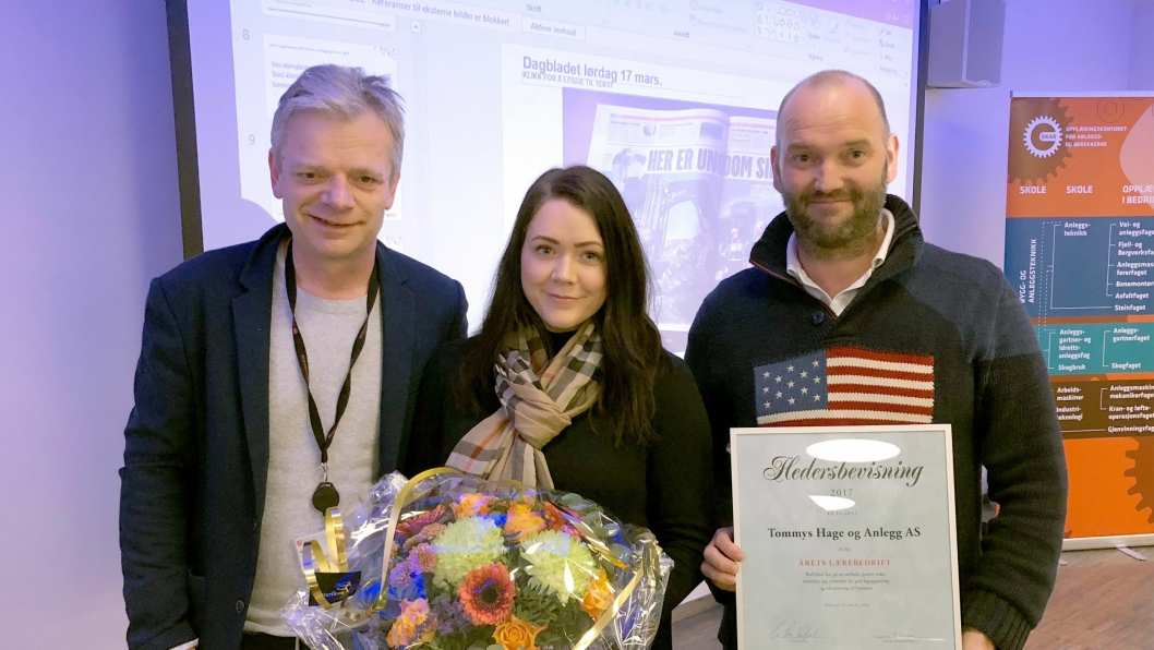 Fra venstre: Torbjørn Mjelstad (fagopplæringssjef i Hordaland fylkeskommune), Camilla Lindheim Skulstad, og Tommy Michelsen.