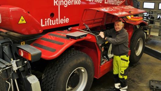 Verkstedkompetansen, som Per Henriksen har bygget opp i løpet av 35 år er viktig for Ringerike Liftutleie.