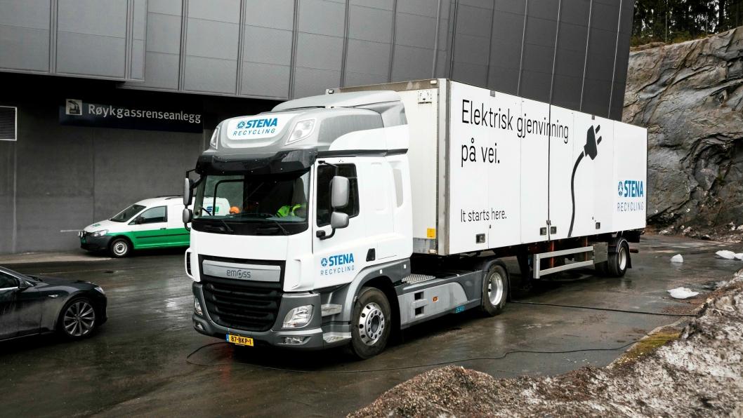 Lastebilen som ble testet mellom Klemetsrud og Moss mandag 9. april var en testbil. Når Stena Recycling får sin bil levert i mai, vil det være en treakslet trekkvogn med større kapasitet.