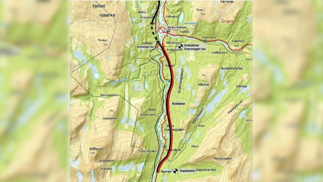 Kontrakten Statens vegvesen nå har hatt tilbudsåpning for omfatter bygging av 12,1 kilometer ny E6, merket i rødt på dette kartet, sør for Trofors.