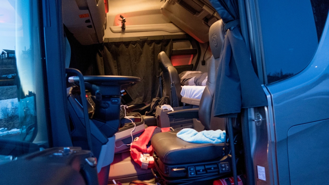 For mange lastebilsjåfører blir kjøretøyet et annet hjem.