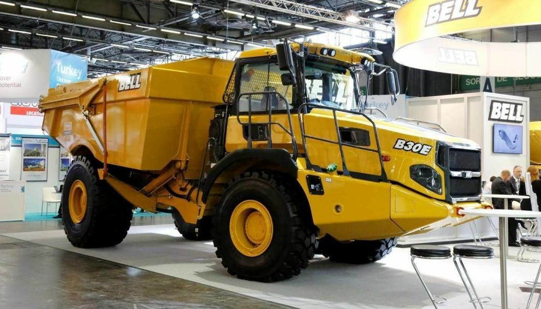 NYKOMMER: Med 28 tonns lastekapasitet og 18,6 m3 kasse er målsettingen høy produksjon for Bells B30E 4x4 som ble premierevist i Paris.