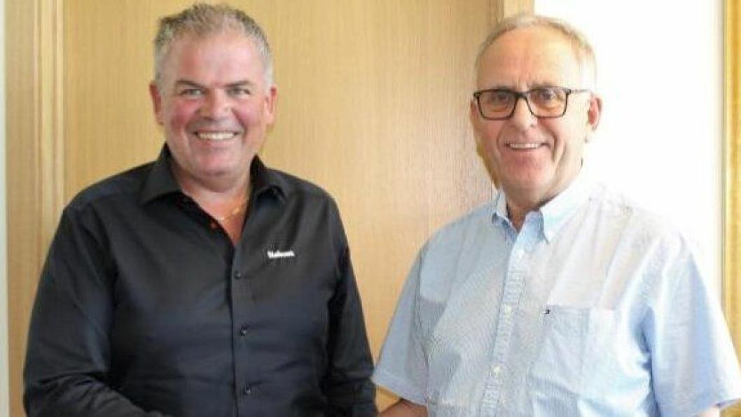 Forretningsutvikler Jone Ølberg i Naboen (t.v.) og konsernsjef i Stangeland Gruppen AS, Olav Stangeland signerte nylig rammeavtale med varighet frem til 2021.