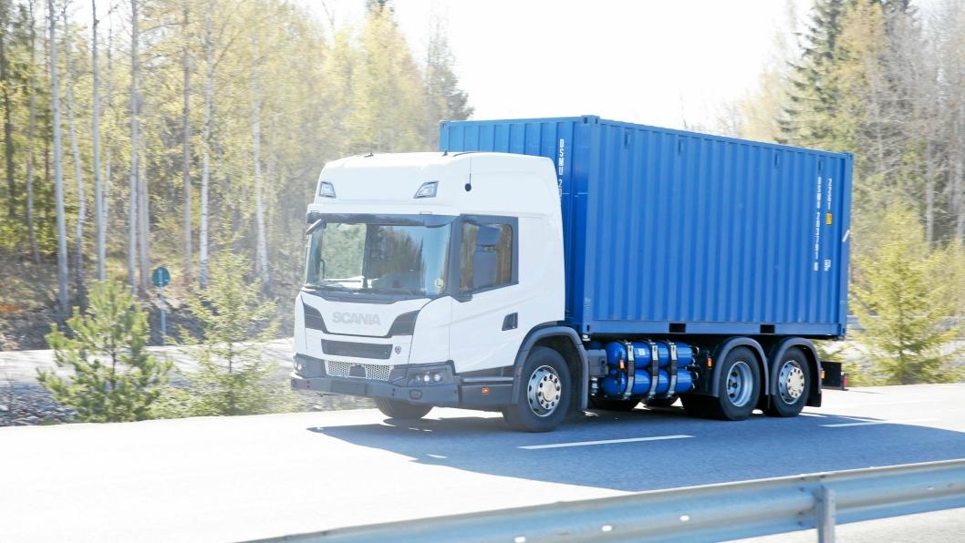 L-SERIE: Hyttene i Scanias L-serie er også tilpasset det modulære systemet slik at de fleste valg er tilgjengelig, men bilen leveres kun med 9-liters motor med flere ulike drivstoff.
