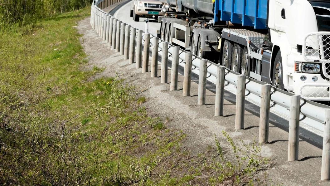 Solvik-Olsen vil at frivillige som vil rydde avfall langs norske veier skal bli møtt med takk - ikke krav om kurs.